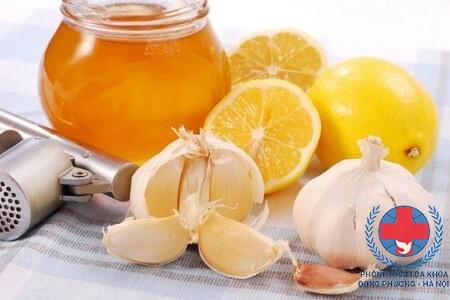 Các cách điều trị mụn cơm bằng tỏi tại nhà