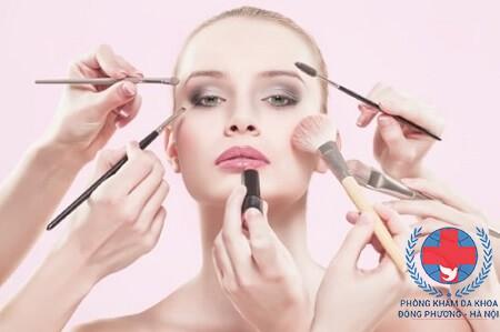 Nguyên nhân dị ứng da mặt là gì?