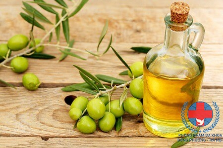 Cách dùng dầu oliu trị mụn trứng cá hiệu quả