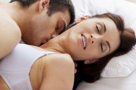 Đặt vòng tránh thai quan hệ mạnh có sao không?