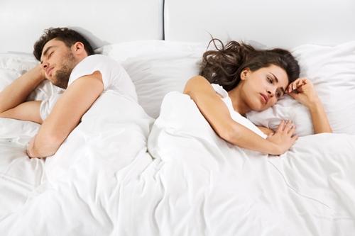 Bị viêm phụ khoa có nên quan hệ không
