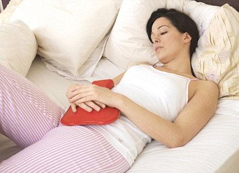 Đau bụng kinh làm gì để giảm đau